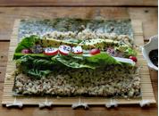 Quinoa-sushi Bilde fra: http://www.mynewroots.org/site/2012/03/quinoa-spring-sushi-diy-quick-pickled-ginger-2/