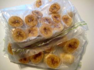 Frys modne bananer i biter