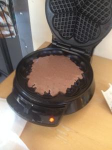 Sjokoladevalfer med kakaopulver og revet mørk sjokolade